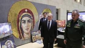 'Can't erase history': Putin & Stalin mosaic for military cathedral is 'appropriate,' church says amid furor