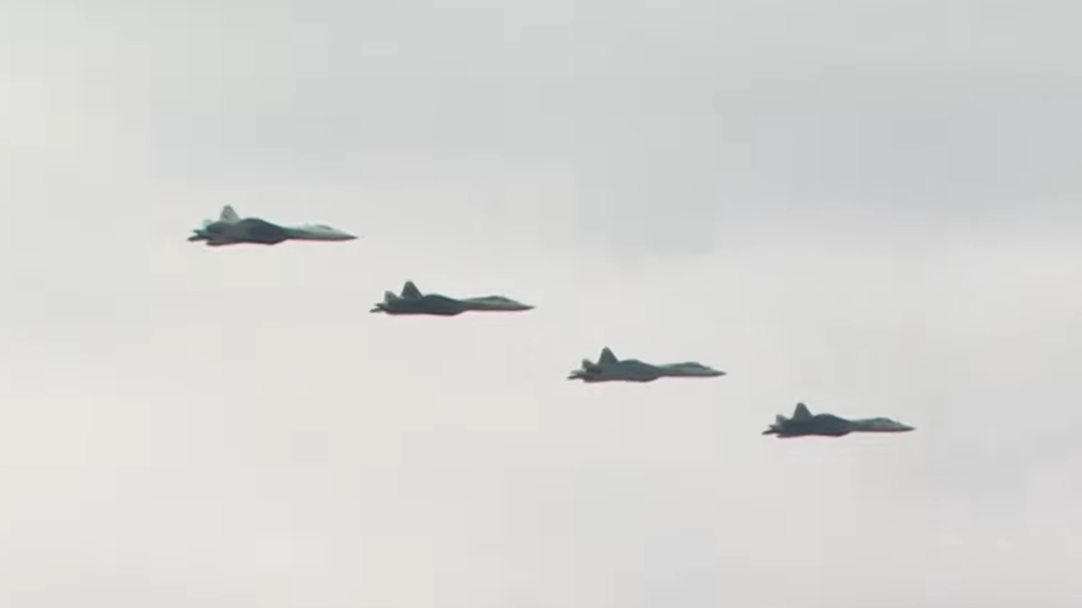 Secretive Russian stealth fighter jet Su-57 to take part in Victory Day parade flyover (VIDEO)