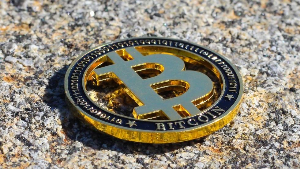 Bitcoin nothing but a 'lie' because you CAN'T buy anything with crypto – Peter...
