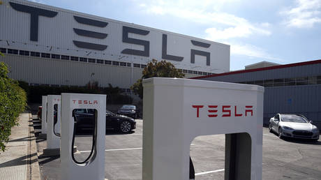 FILE PHOTO: The Tesla Factory on August 16, 2013 in Fremont, California © AFP / Getty Images / Justin Sullivan
