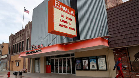 FILE PHOTO: The closed Eagle movie theater in Chadron, Nebraska, the US © Reuters / Shannon Stapleton