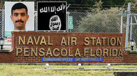 Main: A general view of the Pensacola Naval Air Station following a shooting on December 6, 2019 © AFP / Josh Brusted; Inserts: The mugshot of Mohammed Alshamrani © Twitter / FBI Jacksonville; The flag used by the terrorist group Al-Qaeda in the Arabian Peninsula © AFP / Said Khatib