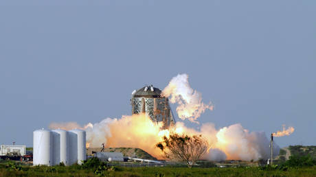 SpaceX performs an untethered test at their facility in Boca Chica, Texas. © REUTERS/Veronica G. Cardenas