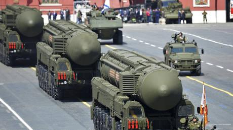 Russian RS-24 Yars/SS-27 Mod 2 solid-propellant intercontinental ballistic missiles © REUTERS/Host Photo Agency/RIA Novosti