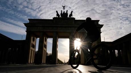 FILE PHOTO: The Brandenburg Gate, Berlin, Germany © Reuters / Christian Mang
