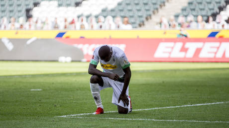 Bundesliga player Thuram takes a knee after scoring amid George Floyd protests (VIDEO)