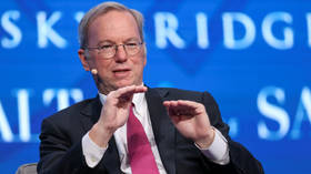 Ex-Google CEO Eric Schmidt claims he can link tech & defense, but he's just a civilian dilettante who doesn't get reality of war
