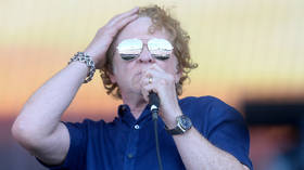 Simply Red's Mick Hucknall makes (typically late) grab for anti-PC cred by ranking RACES for 'coolness'