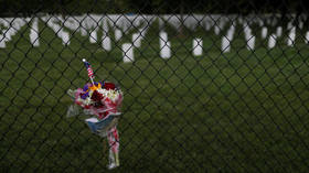 US coronavirus death toll tops 100,000 as politics overshadows grief