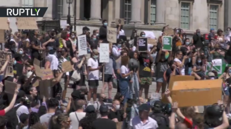 Thousands join anti-racism rally in central London
