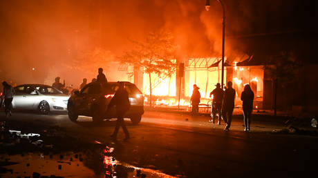 Fires in Minneapolis during protests at the death of George Floyd. © NurPhoto via Getty Images