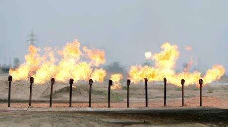 FILE PHOTO: A station in al-Zubair oil field, near Basra, Iraq © Reuters / Essam Al-Sudani