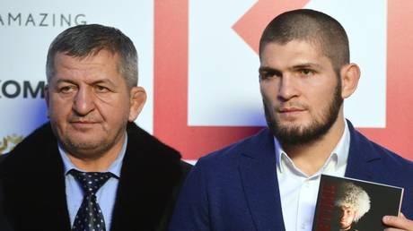 Abdulmanap Nurmagomedov and son Khabib - Sputnik / Алексей Куденко