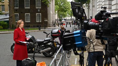 'News' becoming 'views': Veteran journalist Neil Clark explains plummeting trust in UK media