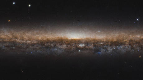 The newly released photo was painstakingly processed by citizen scientist Judy Schmidt. © ESA/Hubble & NASA, R. de Jong/Judy Schmidt