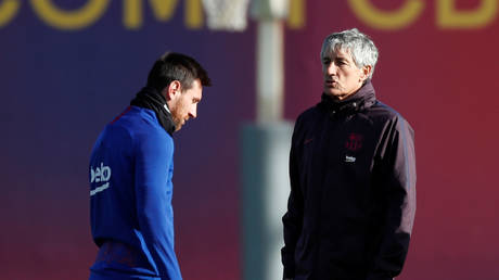 Barcelona captain Lionel Messi and manager Quique Setien. © Reuters
