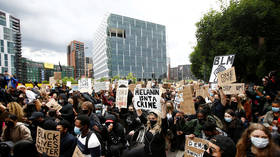 Thousands of Black Lives Matter protesters march on US embassy in London (VIDEOS)
