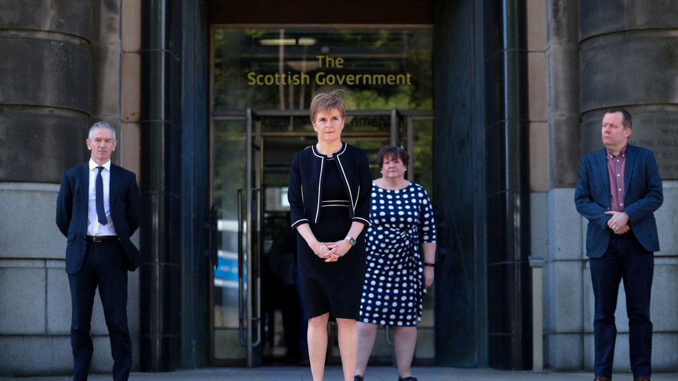 Instead of tearing her down, we should be rallying for Nicola Sturgeon to be the next UK prime minister