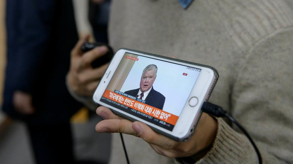 US envoy visits S. Korea in effort to...