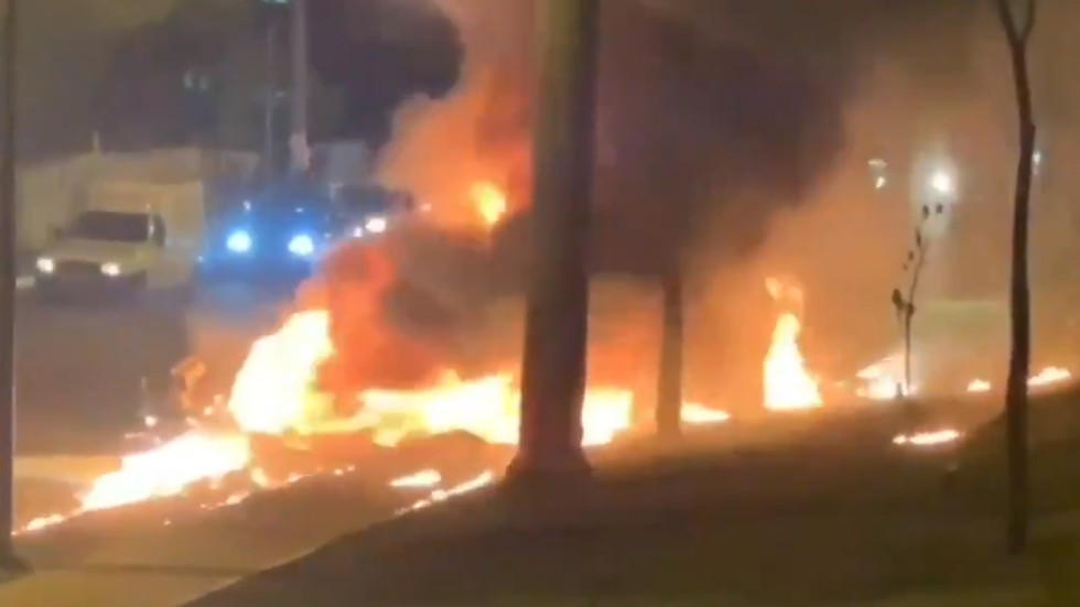 Small plane engulfed in flames after crash landing in middle of Sao Paulo rush hour traffic (VIDEOS)