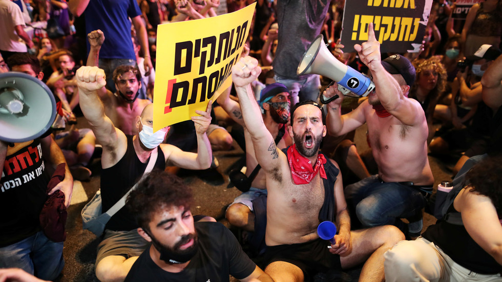 Tens of thousands of Israelis protest Netanyahu's handling of Covid-19 crisis (VIDEOS)