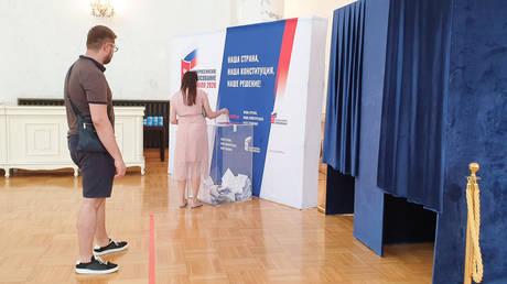 People vote on amendments to the Russian Constitution. © Sputnik / Anna Ratkoglo