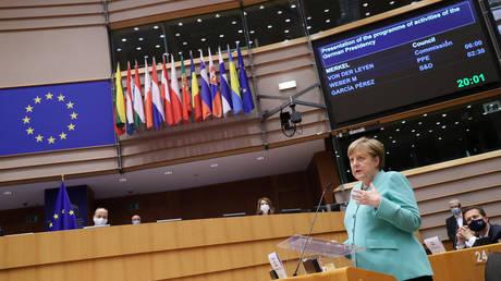 Merkel tells EU to prepare for 'no-deal scenario' in post-Brexit talks with UK