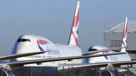 FILE PHOTO: British Airways Boeing 747 passenger aircraft at Heathrow airport, London © Reuters / Toby Melville