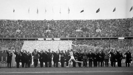 The torch ceremony at the 1936 Olympics in Berlin. © Getty Images