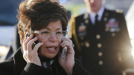 Valerie Jarrett before US President Barack Obama steps off Air Force One at Chicago's O'Hare International Airport