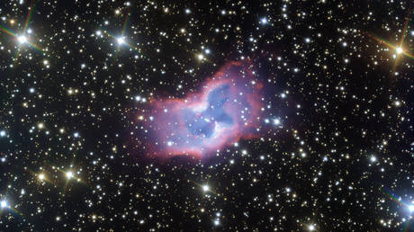 This handout image released by The European Southern Observatory (ESO) on July 30, 2020, shows highly detailed image of the fantastic NGC 2899 planetary nebula which was captured using the FORS instrument on ESO's Very Large Telescope in northern Chile. © AFP / European Southern Observatory