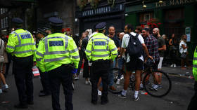 Hundreds of UK police officers have convictions for serious crimes including assault and drug possession – media report