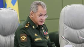 Russian & Azerbaijani defense ministers talk on the phone amid Baku's tensions with Armenia