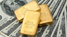 Dumping the dollar: Record gold price justifies Moscow's choice to abandon greenback & bet on precious metal