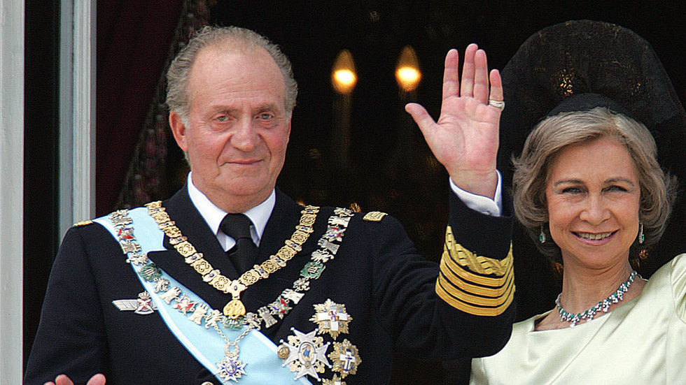 Fit for a king? Spanish ex-monarch Juan Carlos has fled to luxury Abu Dhabi hotel amid Saudi corruption scandal, report says