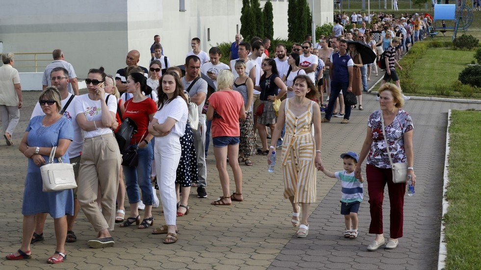 Protests in Minsk, other cities after preliminary results of Belarus presidential election show landslide Lukashenko victory