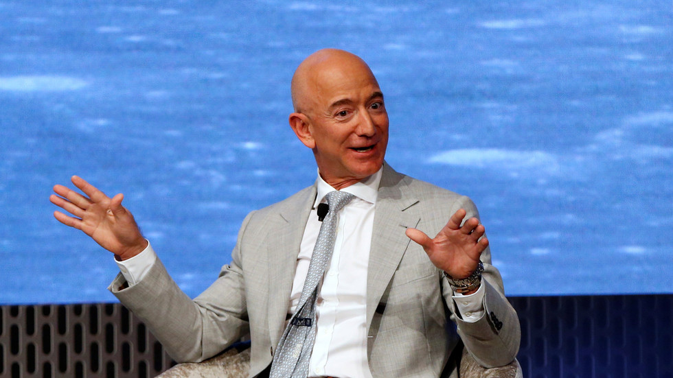 As Bezos dumps over $3bn of Amazon shares, here's why you should be worried