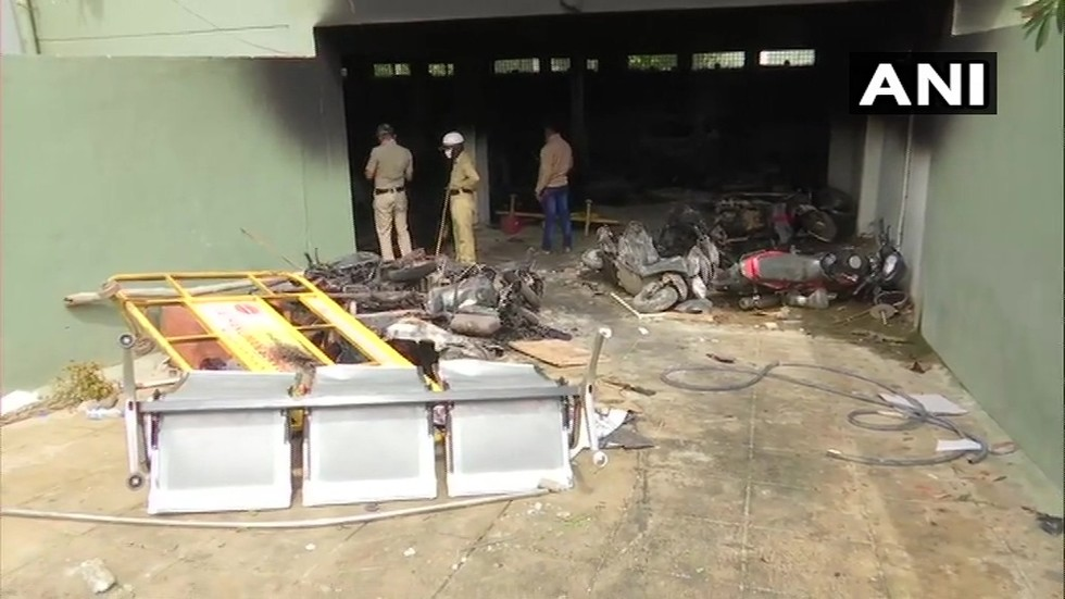 3 killed & 110 arrested after alleged anti-Muslim FB post sparks riots in Bengaluru, India (PHOTOS, VIDEOS)