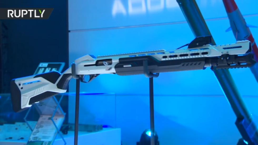 Selfie boomstick: Kalashnikov unveils new SMART shotgun & 5.56 NATO rifle AK-19 (VIDEO)