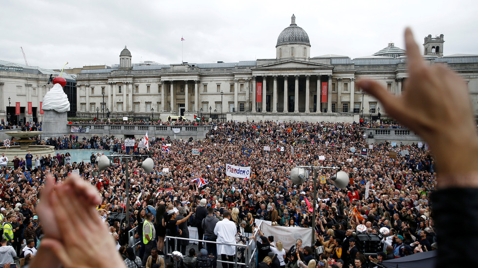'Take off the mask!' Thousands gather in London for 'Unite for Freedom' rally, demanding 'back to normal now' (VIDEOS)