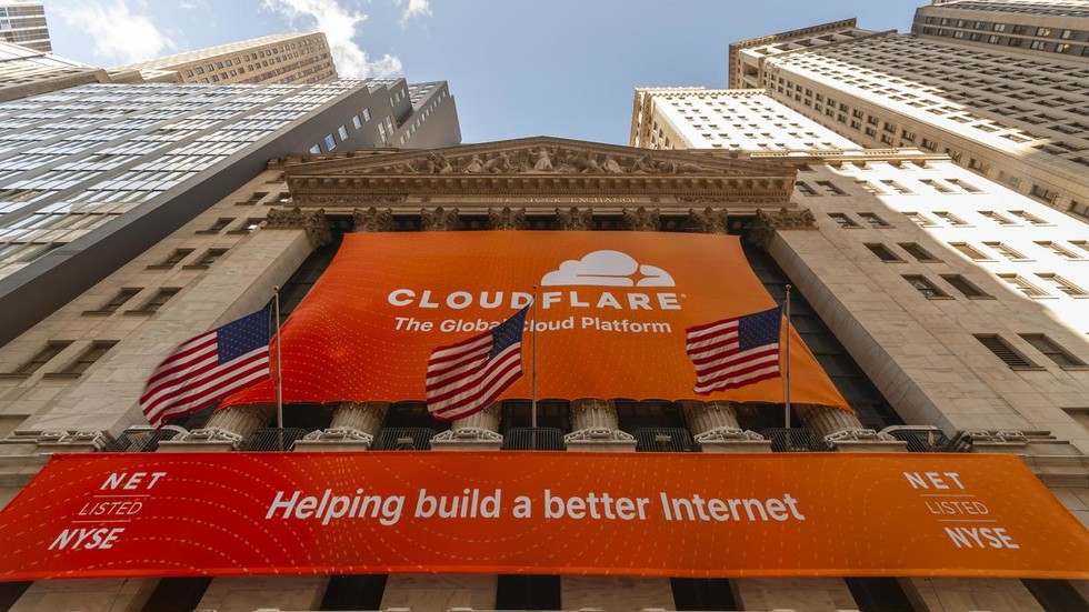 Web security service Cloudflare sends DOZENS of websites & online games down after 'third-party transit provider incident'