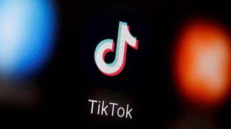 FILE PHOTO: A TikTok logo © Reuters / Dado Ruvic