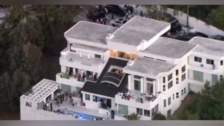 The LA mansion where the alleged shootings took place during a party for an unnamed NFL player. © Twitter @CBSLA