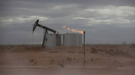 US oil production to fall more than expected this year