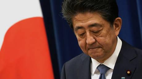 Japan's outgoing Prime Minister Shinzo Abe © AFP/Franck ROBICHON