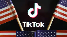 The clock is TikToking: Trump says he doesn't mind if Microsoft buys TikTok, as long it's done in 6 weeks & Uncle Sam GETS A CUT