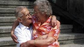 Turns out 'love-hormone' Oxytocin may be secret weapon against Alzheimer's