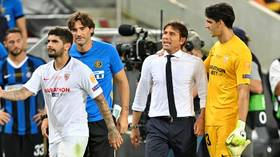 'I'll see you after the game!' Antonio Conte reacts FURIOUSLY as Ever Banega mocks his HAIR during Europa League Final (VIDEO)