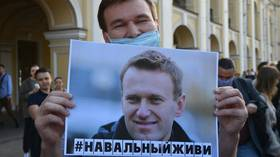 Russian doctors say German colleagues congratulated them for 'saving Navalny's life' & insist two lab tests found no poison traces