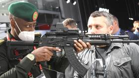 Roaring tanks, fast-sailing cars, big bucks: Visitors flow to annual military expo near Moscow for brand new equipment & gear show